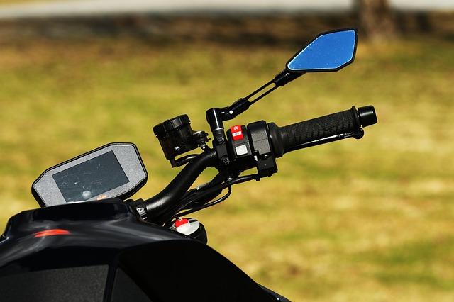 zrcátko motorky